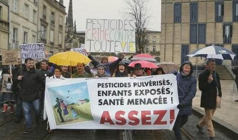 Pesticides, le poison de la terre